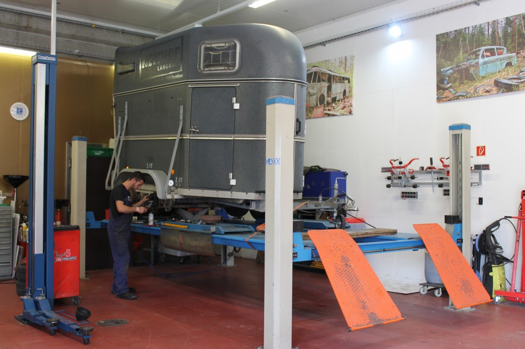garage aschwanden landquart anhänger und pferdeanhänger reparatur und vermietung 2